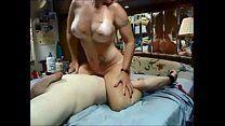 Safado em sexo com meninas de peito enorme