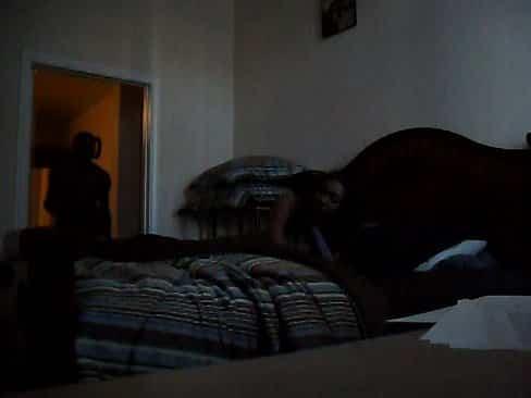 Amadora na cama  fazendo sexo com a vizinha