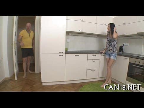 Careca faz sexo com vizinha novinha