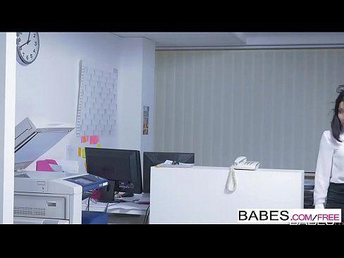 Secretaria japonesa em sexo rot com seu patrão