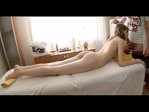 Linda ninfetas gratis em sexo com seu massagista