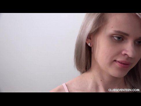 Novinha mulheres 18 esta toda pelada em foda