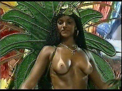 No carnaval kelly key nua desfila toda peladinha