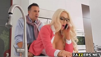 Loira safada no porno sp sendo comida por seu chefe