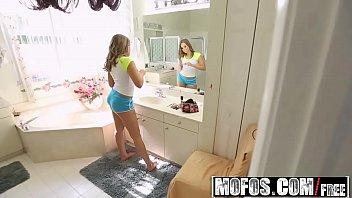 No banheiro xnovinhas toma rola