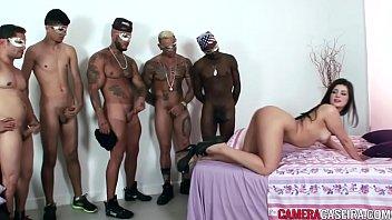Novinha com vários machos no sexo vidio