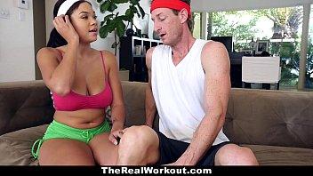 Morena virgenstransando com um cara atretico