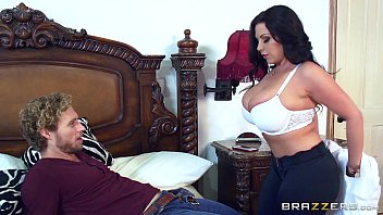 Linda coroa no sextreme com um jovem playboy