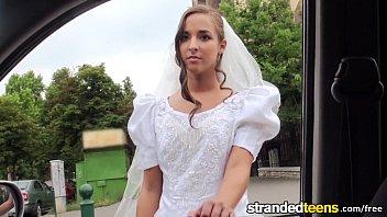 Safada gostosa transando com o uber do casamento