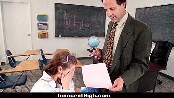 Gata em sexo com professor em sexo na escola