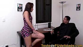 Mulher no redtube brasil fode com o empresario