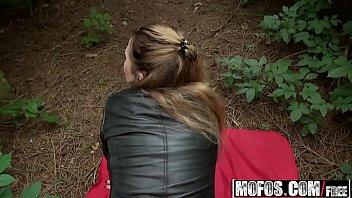 Bela novinha puta esta em foda no videos sexo